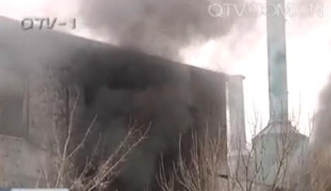 空港工业园昨发大火