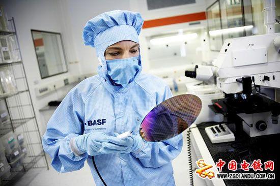 巴斯夫创造用于集成电路的先进电镀铜化学品